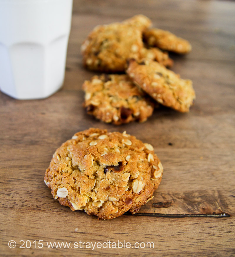 DATE & SULTANA ANZAC BISCUITS